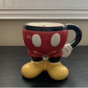🐷2/$20🐷 Mickey's Red Shorts Ceramic Coffee Cup